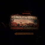 Kilimanjaro Safari bei Nacht