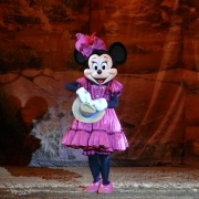 Minnie Mouse in der Buffalo Bill\'s Wild West Show