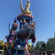 Mickey und Pluto  in der Dreaming Up Parade