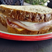 Sandwich im Norwegen-Pavillon