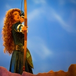 Merida nimmt Maß bei Forest of Enchantment