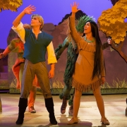 Le Foret de l'Enchantement mit Pocahontas und John Smith