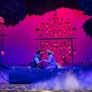 Romantische Stimmung auf der Bühne