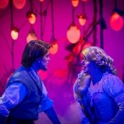 Ein romantisches Duett von Flynn Rider und Rapunzel