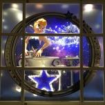 25-tinkerbell-fenster-disneyland-hotel-5
