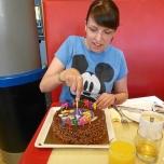 Anschneiden der Torte beim Character Dining