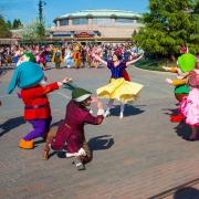Schneewittchen und die 7 Zwerge im Disneyland