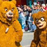 Bärdenbrüder im Disneyland