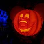 Halloween Kürbis im Mickey-Look