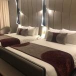Betten im neuen Zimmer im Hotel New York  - The Art of Marvel