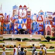 Die besonders bunte Version in Tokyo Disneyland zum Zeitpunkt der Eröffnung
