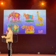 Wagen der Parade Jungle Jive, die von der Kunst und Kultur Indiens inspiriert sind