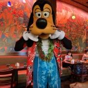 Goofy beim Charakter Frühstück