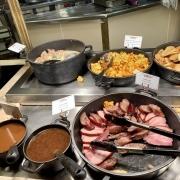 Fleisch,  Saucen und Beilagen