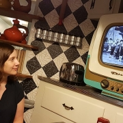 Esstisch mit Fernseher