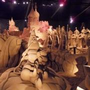 Alice im Wunderland - Großansicht als Sandskulptur