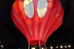 Mickey im Heißluftballon