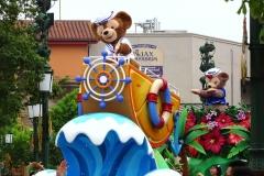 duffys-splashing-pre-parade-2