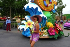duffys-splashing-pre-parade-4