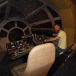 Im Cockpit des Millenium Falcon / Rasenden Falken