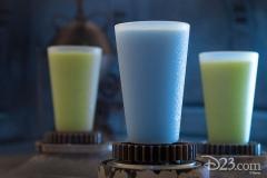 Blaue & Grüne Milch (Black Spire Outpost)