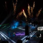 Laser-Effekte und Feuerwerk