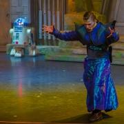 ... aber vorher präsentiert der Jedi-Meister die Macht