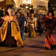 Auftakt der Star Wars Night: Die Parade durch die Main Street zum Videopolis