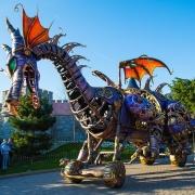 maleficent-drache-disney-stars-on-parade-1