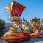 entdecker-mickey-minnie-stars-on-parade-2