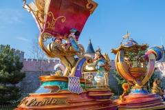 entdecker-mickey-minnie-stars-on-parade-2