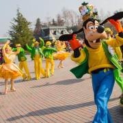 Goofy tanzt bei Goofy's Garden Party