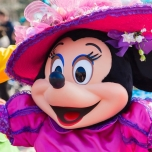 Eine fröhliche Minnie bei Goofy's Garden Party