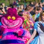 Grinsekatze und Alice im Wunderland