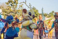 Sparky aus Stitch im Disneyland
