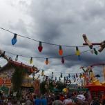 Lichterkette und Toy Story Land Dekoration