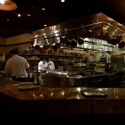Offene Küche der Trattoria Al Forno