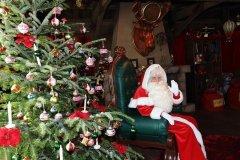 Weihnachtsmann in Disneyland PAris