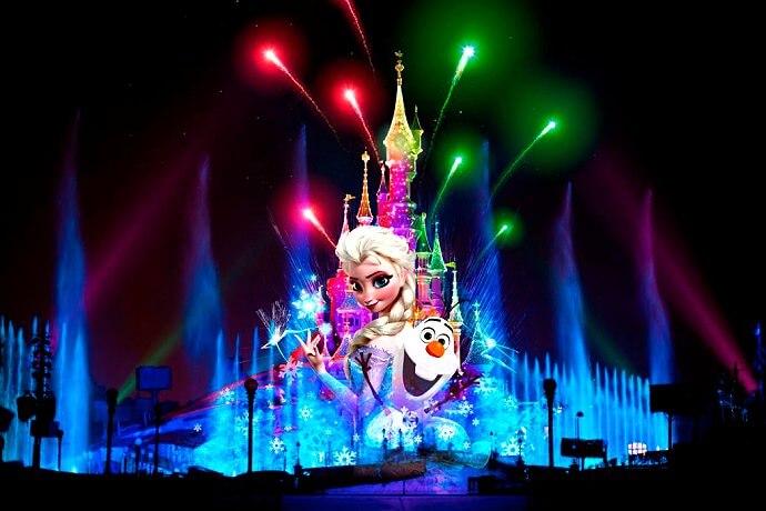 Dreams Weihnachtsversion, angelehnt an Frozen zu Weihnachten im Disneyland Paris