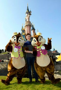 Chris Colfer im Disneyland