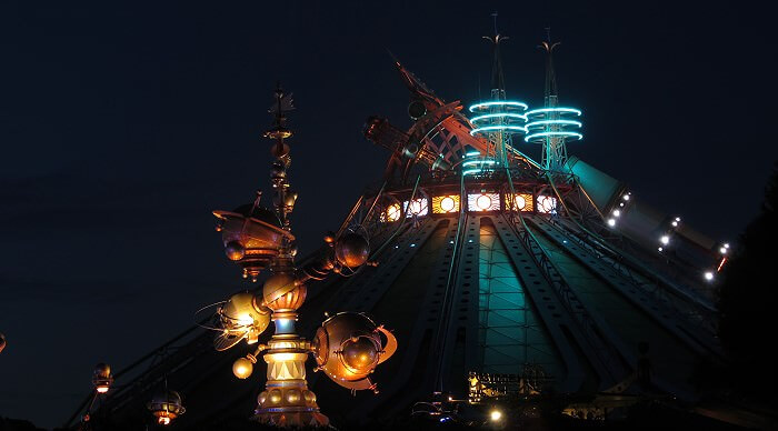 Achterbahn Space Mountain im Disneyland