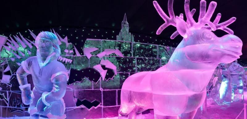 Sven und Kristof aus dem Film Frozen als Eisskulptur