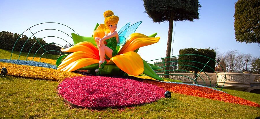 Tinkerbell Figur bei Swing into Spring