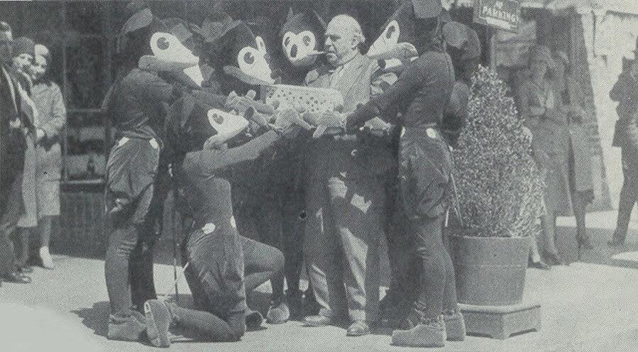 Mickey Mouse und Henry Bergman