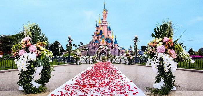 Heiraten im Disneyland Paris vor dem Märchenschloss
