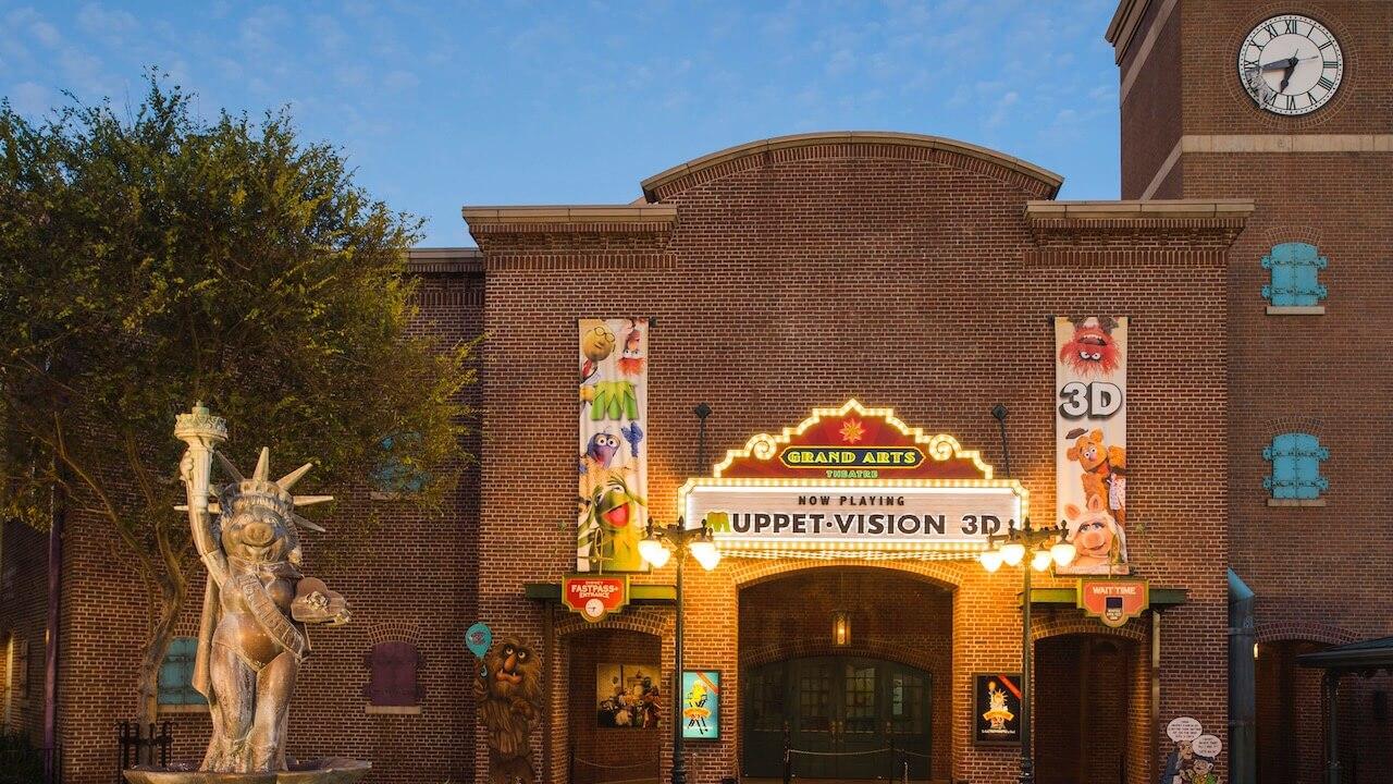 Vorderseite des Muppet Vision 3D Gebäudes