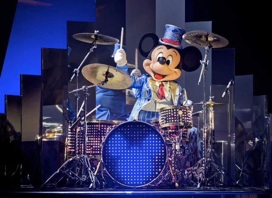 Mickey Maus am Schlagzeug