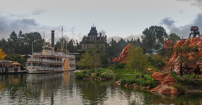 Frontierland im Disneyland Paris mit Phantom Manor