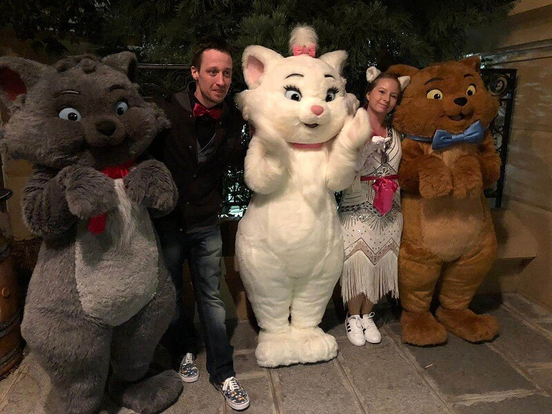 Die Aristocats Berlioz, Marie und Toulouse bei Disney loves Jazz im Disneyland Paris