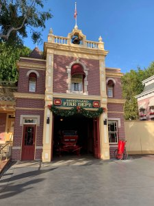 Station und Walts Wohnung